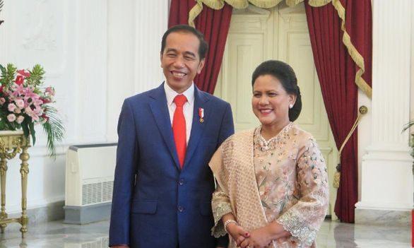Jokowi Umumkan Kabinet Baru Senin Pagi