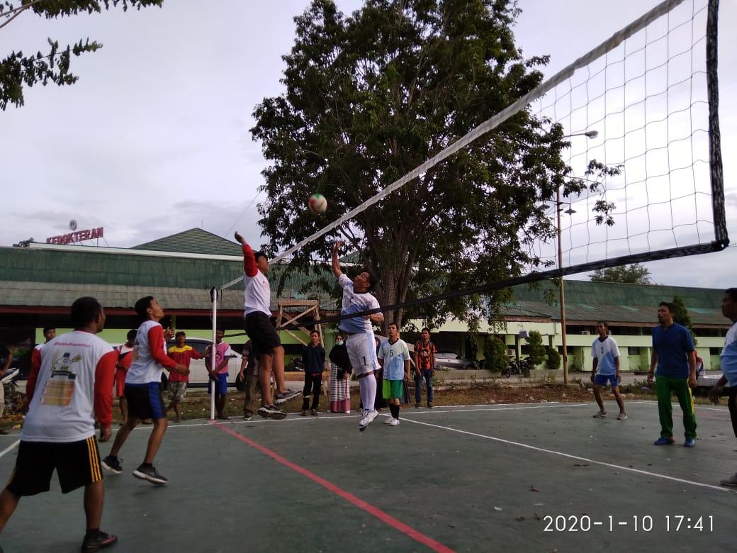Tim Voli Ball Putra Faperta Kandaskan Rektorat