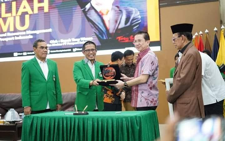 Kerjasama PT Freeport dan UMI serta Kuliah Tamu oleh Bapak Tony Wenas, Presdir PT Freeport Indonesia
