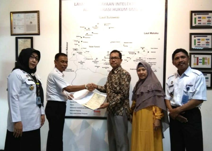 Rektor Apresiasi Kasman Jaya Terima HAKI Dari Kemenkum HAM Sulteng