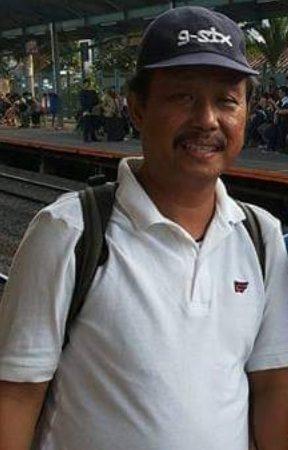 In Memoriam, Ivon Iskandar Mahi, Lepas Status PNS Demi Unisa