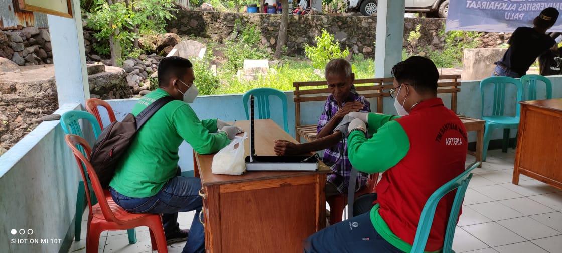 Salut, TBM Arteria Lakukan Pelayanan Medis di Kampung Terisolir
