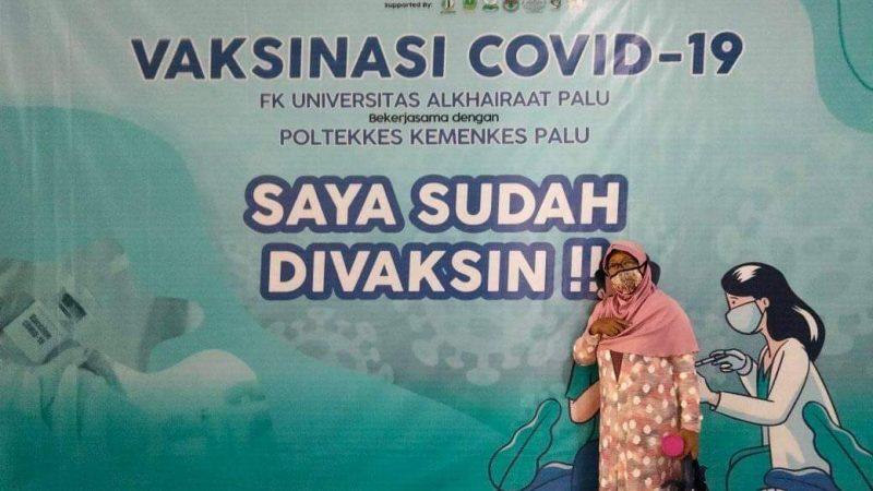 FK Unisa-Poltekkes Palu Layani Vaksinasi  di Kampus Universitas Alkhairaat